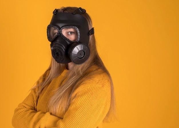 masque-a-gaz-femme-2